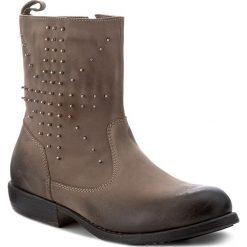 Botki NIK - 08-0196-002 Szary. Szare buty zimowe damskie Nik, z nubiku, na obcasie. W wyprzedaży za 199,00 zł.
