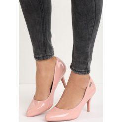 Różowe Czółenka Craven. Czerwone buty ślubne damskie marki Born2be, na niskim obcasie, na stożku. Za 39,99 zł.