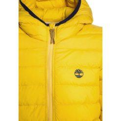 Timberland Kurtka zimowa goldgelb. Żółte kurtki chłopięce zimowe Timberland, z materiału. W wyprzedaży za 366,75 zł.