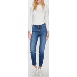 Guess Jeans - Jeansy. Niebieskie jeansy damskie rurki marki Guess Jeans, z aplikacjami, z bawełny, z podwyższonym stanem. W wyprzedaży za 319,90 zł.
