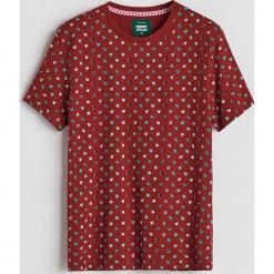 T-shirt ze świątecznym nadrukiem - Bordowy. Czerwone t-shirty męskie z nadrukiem Reserved, l. Za 29,99 zł.