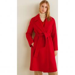 Mango - Płaszcz Maca3. Czerwone płaszcze damskie pastelowe Mango, l, w paski, z materiału. Za 549,90 zł.