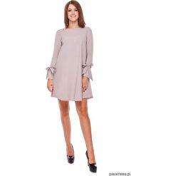 LATORI - Sukienka damska trapezowa LM19/1. Szare sukienki mini Pakamera, na imprezę, z tkaniny, z dekoltem w łódkę, trapezowe. Za 119,00 zł.