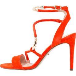 Carvela GORGE Sandały na obcasie orange. Brązowe sandały trekkingowe damskie Carvela, z materiału, na obcasie. W wyprzedaży za 575,20 zł.