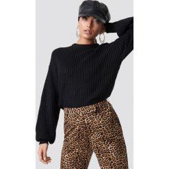 NA-KD Dzianinowy sweter z obniżonymi ramionami - Black. Czarne swetry klasyczne damskie NA-KD, z dzianiny. Za 121,95 zł.
