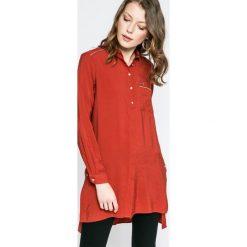 U.S. Polo - Sukienka. Czerwone sukienki mini marki U.S. Polo, na co dzień, s, z materiału, casualowe, polo, z krótkim rękawem, proste. W wyprzedaży za 199,90 zł.