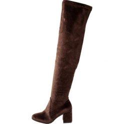 Glamorous Muszkieterki brown. Różowe buty zimowe damskie marki Glamorous, z nadrukiem, z asymetrycznym kołnierzem, asymetryczne. W wyprzedaży za 139,50 zł.