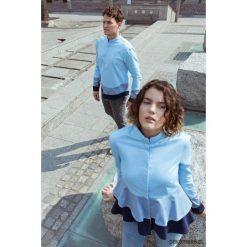 Koszula męska z trzech odcieni błękitu. Białe koszule męskie na spinki marki Pakamera. Za 259,00 zł.