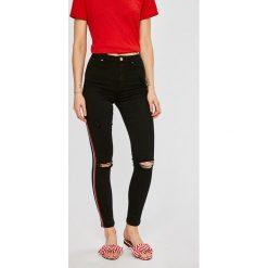 Tally Weijl - Jeansy Rana. Czerwone rurki damskie marki TALLY WEIJL, l, z dzianiny, z krótkim rękawem. W wyprzedaży za 129,90 zł.
