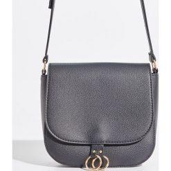 Torebka z okrągłymi uchwytami - Czarny. Czarne torebki klasyczne damskie Sinsay. W wyprzedaży za 39,99 zł.