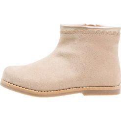 Friboo Botki taupe. Czerwone buty zimowe damskie marki Friboo, z materiału. Za 129,00 zł.