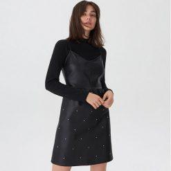 Sukienka z imitacji skóry - Czarny. Czarne sukienki z falbanami House, l, ze skóry. Za 119,99 zł.