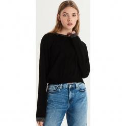 Sweter z połyskującą lamówką - Czarny. Czarne swetry klasyczne damskie Sinsay, l. Za 39,99 zł.