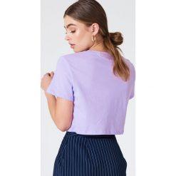 NA-KD Basic Krótki T-shirt oversize - Purple. Różowe t-shirty damskie marki NA-KD Basic, z bawełny. W wyprzedaży za 19,57 zł.