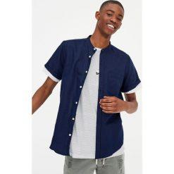 Lniana koszula z krótkim rękawem. Czerwone koszule męskie marki Pull&Bear, m. Za 62,90 zł.