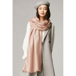 Szaliki damskie: Szal w kolorze różowym - (D)187 x (S)70 cm