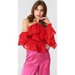 Bluzki asymetryczne: NA-KD Trend Bluzka z falbanką na rękawach - Red