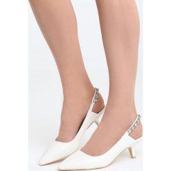 Białe Sandały Fetch Away. Białe sandały damskie marki Born2be, z materiału, na wysokim obcasie, na obcasie. Za 89,99 zł.
