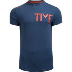 T-shirt męski TSM601 - GRANATOWY - Outhorn. Niebieskie t-shirty męskie Outhorn, na jesień, m, z bawełny. W wyprzedaży za 24,49 zł.