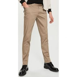 Rurki męskie: Spodnie slim fit – Brązowy