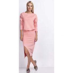 Brzoskwiniowa Casualowa Midi Sukienka z Kopertowym Dołem. Brązowe sukienki balowe marki Mohito, l, z kopertowym dekoltem, kopertowe. W wyprzedaży za 106,86 zł.