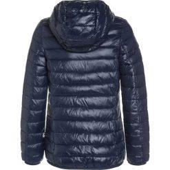 Benetton Kurtka zimowa dark blue. Niebieskie kurtki dziewczęce zimowe marki Benetton, z bawełny. W wyprzedaży za 135,20 zł.