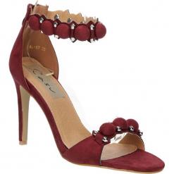 Sandały bordowe na obcasie z ozdobami Casu 58-552. Czerwone sandały damskie marki Melissa, z kauczuku. Za 49,99 zł.