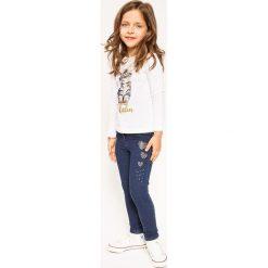Blukids - Jeansy dziecięce 98-128 cm. Różowe jeansy dziewczęce marki Mayoral, z bawełny, z okrągłym kołnierzem. W wyprzedaży za 69,90 zł.