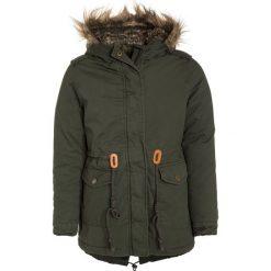 Tiffosi PROUGHTY Płaszcz zimowy green. Zielone kurtki chłopięce przeciwdeszczowe Tiffosi, na zimę, z bawełny. W wyprzedaży za 199,20 zł.