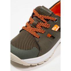 Icepeak DUFA Obuwie hikingowe olive/red orange. Zielone buty sportowe chłopięce Icepeak, z materiału, outdoorowe. Za 229,00 zł.