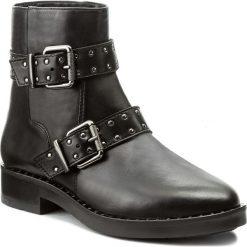 Botki TAMARIS - 1-25428-39 Black 001. Czarne buty zimowe damskie marki Tamaris, z materiału, na obcasie. W wyprzedaży za 229,00 zł.