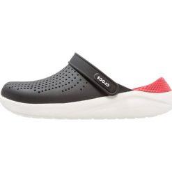 Crocs LITERIDE Sandały kąpielowe black/white. Czarne kąpielówki męskie marki Crocs, z gumy. Za 209,00 zł.