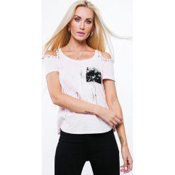 Bluzki damskie: Bluzka z cekinową kieszonką jasnoróżowa ZZ1084