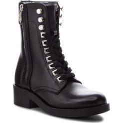 Botki GUESS - FLZEL3 LEA10 BLACK. Czarne buty zimowe damskie Guess, z materiału, na obcasie. Za 829,00 zł.