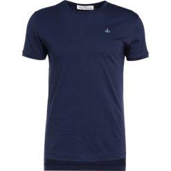 Vivienne Westwood PERU Tshirt basic navy. Niebieskie koszulki polo Vivienne Westwood, l, z bawełny. W wyprzedaży za 389,25 zł.