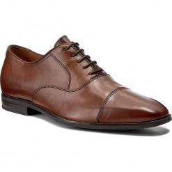 Półbuty GEOX - U New Life E U74P4E 00043 C6001 Cognac. Brązowe buty wizytowe męskie Geox, z materiału. W wyprzedaży za 399,00 zł.