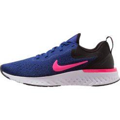 Nike Performance ODYSSEY REACT Obuwie do biegania treningowe deep royal blue/pink blast/obsidian/white. Brązowe buty do biegania damskie marki N/A, w kolorowe wzory. Za 549,00 zł.