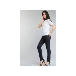 Jeansy slim fit Armani jeans  GAMIGO. Czarne jeansy damskie relaxed fit marki Armani Jeans, z jeansu. Za 535,20 zł.
