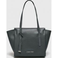 Calvin Klein - Torebka. Szare torebki klasyczne damskie Calvin Klein. Za 539,90 zł.