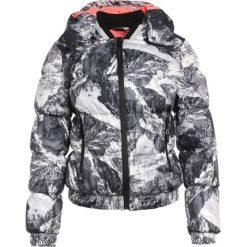 Superdry Kurtka snowboardowa grey. Szare kurtki damskie narciarskie marki Superdry, l, z nadrukiem, z bawełny, z okrągłym kołnierzem. W wyprzedaży za 799,20 zł.