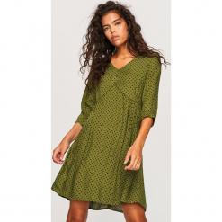 Sukienka we wzory - Zielony. Zielone sukienki Reserved. Za 99,99 zł.