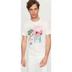 T-shirty męskie: T-shirt z wakacyjnym nadrukiem – Kremowy