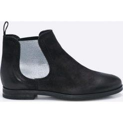 Tamaris - Botki. Czarne buty zimowe damskie marki Mohito, na obcasie. W wyprzedaży za 179,90 zł.