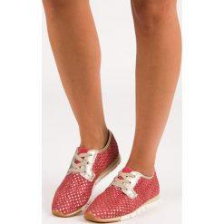 ALETA modne wiązane trampki czerwone. Czerwone tenisówki damskie KYLIE. Za 99,99 zł.
