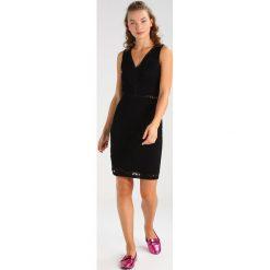 Sukienki hiszpanki: WAL G. BODYCON V NECK  Sukienka letnia black