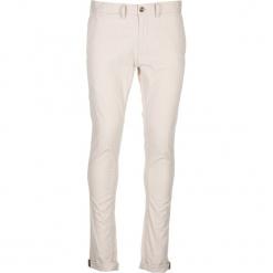 Spodnie chino - Skinny Fit - w kolorze białym. Białe chinosy męskie marki Ben Sherman, z aplikacjami, z materiału. W wyprzedaży za 173,95 zł.