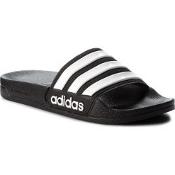 Klapki adidas - adilette Shower AQ1701 Cblack/Ftwwht/Cblack. Czarne klapki męskie marki Adidas, z kauczuku. Za 99,95 zł.