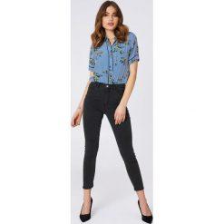 Spodnie damskie: NA-KD Jeansy z wysokim stanem - Grey