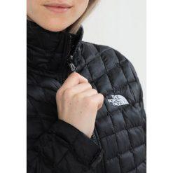 The North Face Kurtka Outdoor black. Różowe kurtki damskie turystyczne marki The North Face, m, z nadrukiem, z bawełny. W wyprzedaży za 551,85 zł.