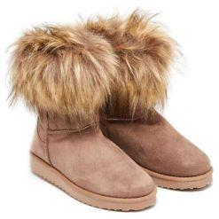 Botki w kolorze jasnobrązowym. Brązowe buty zimowe damskie Carla Samuel, na zimę. W wyprzedaży za 139,95 zł.